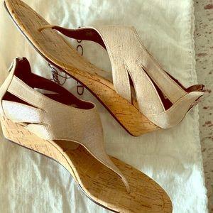 Donald J Pliner thong sandal w/ zipper heel!
